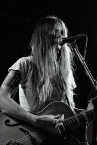 Sarah Shook & the Disarmers (421) vg