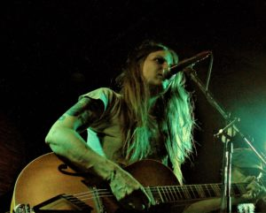Sarah Shook & the Disarmers (423) vg